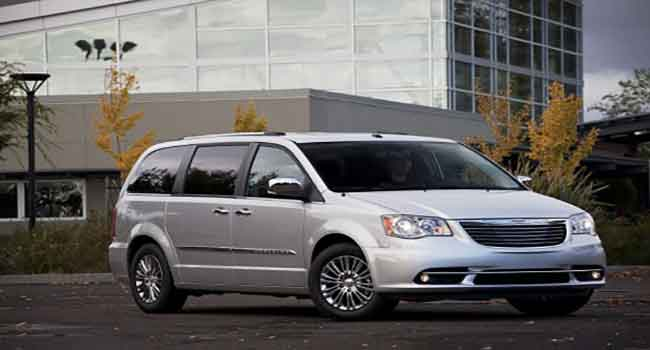 Chrysler town and country MPV